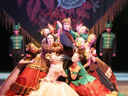 Саратовский академический театр драмы имени Слонова 1 октября открывает свой двести девятый сезон спектаклем...
